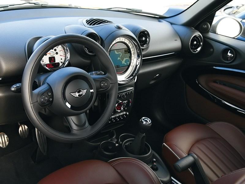 MINI Cooper S Paceman 2013 водительское место