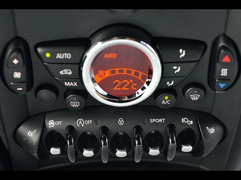 MINI Cooper S Paceman 2013 центральная консоль