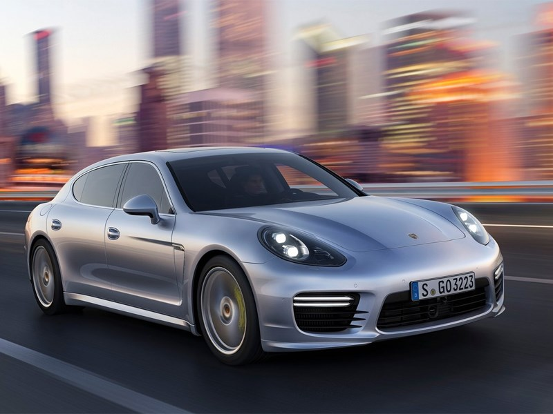 Porsche Panamera 2014 вид спереди