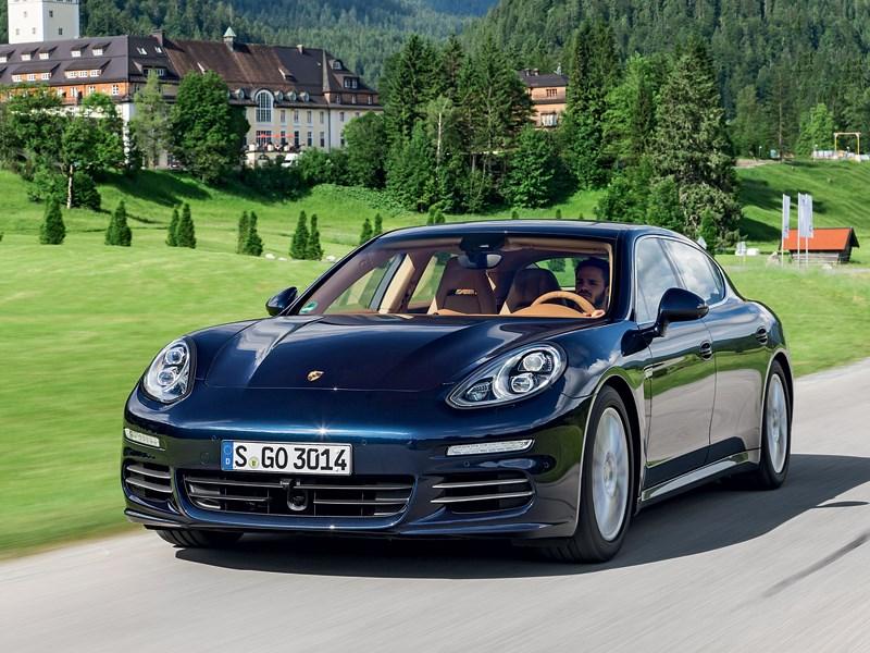 Porsche Panamera S 2014 вид спереди