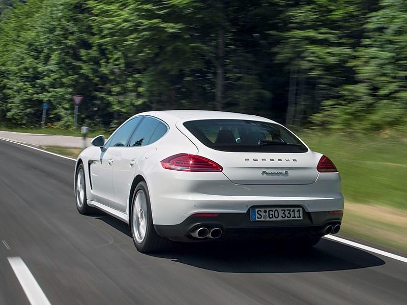 Porsche Panamera S 2014 вид сзади