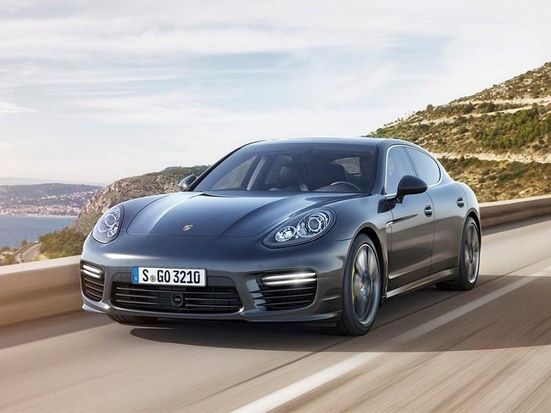 Porsche Panamera Turbo 2013 вид спереди 2