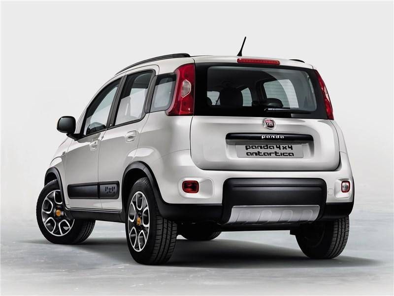 Fiat Panda 4x4 Antartica 2013 вид сзади