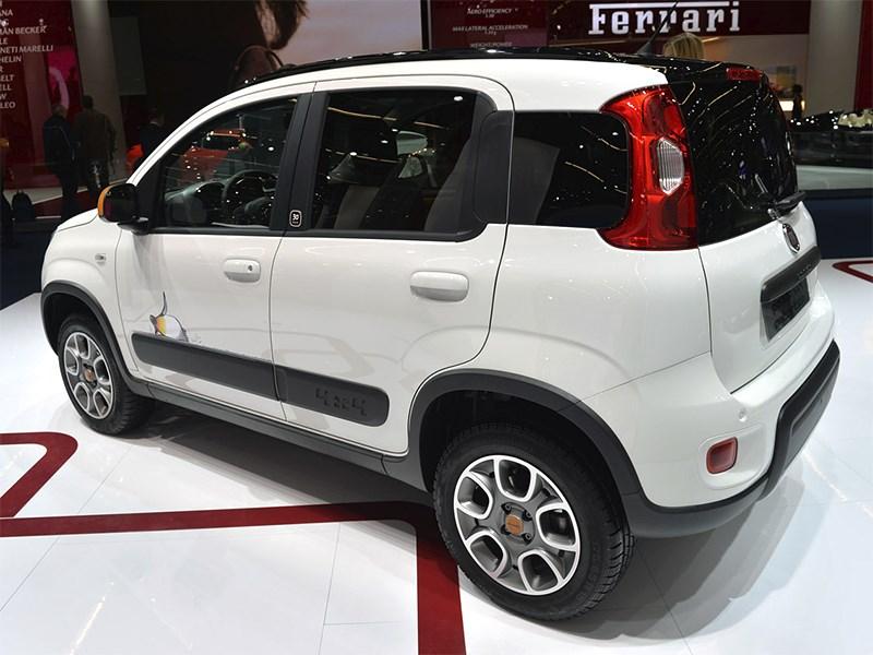 Fiat Panda 4x4 Antartica 2013 вид сбоку сзади