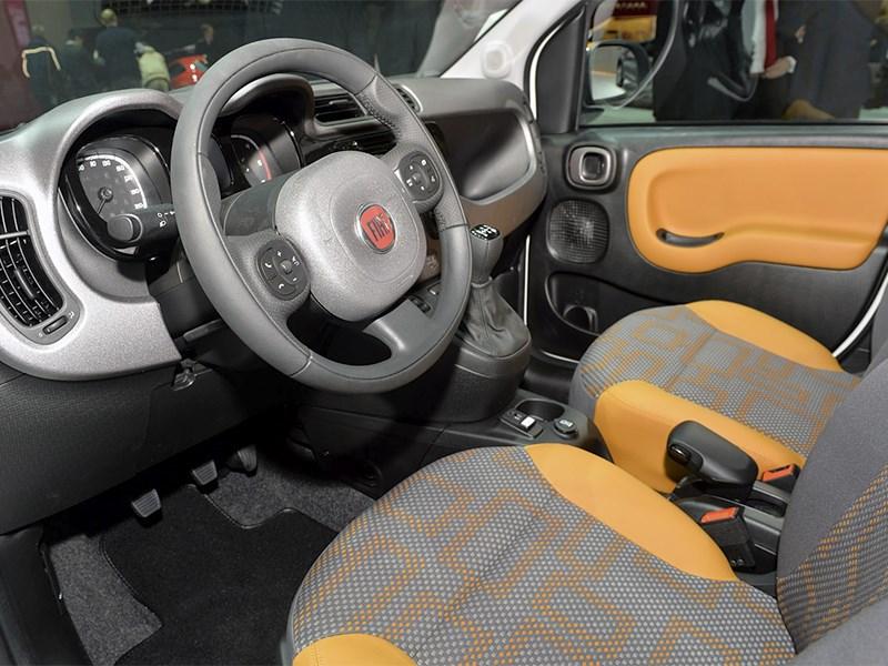 Fiat Panda 4x4 Antartica 2013 салон