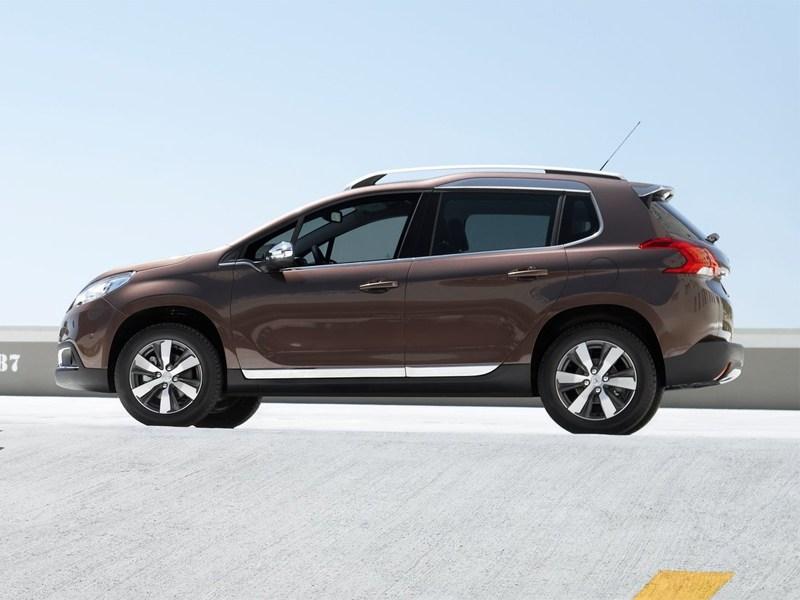 Peugeot 2008 2013 вид сбоку