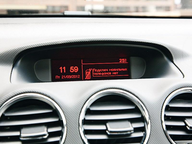 Peugeot 408 2011 монитор