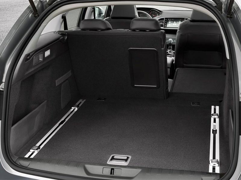 Peugeot 308 SW 2013 багажное отделение