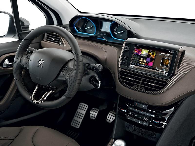 Peugeot 2008 2013 водительское место