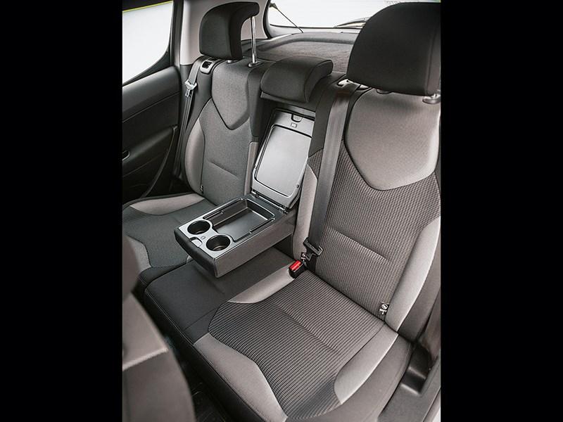 Peugeot 308 2011 задний диван