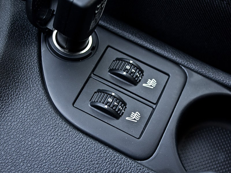 Peugeot 408 2010 ролики обогрева сидений