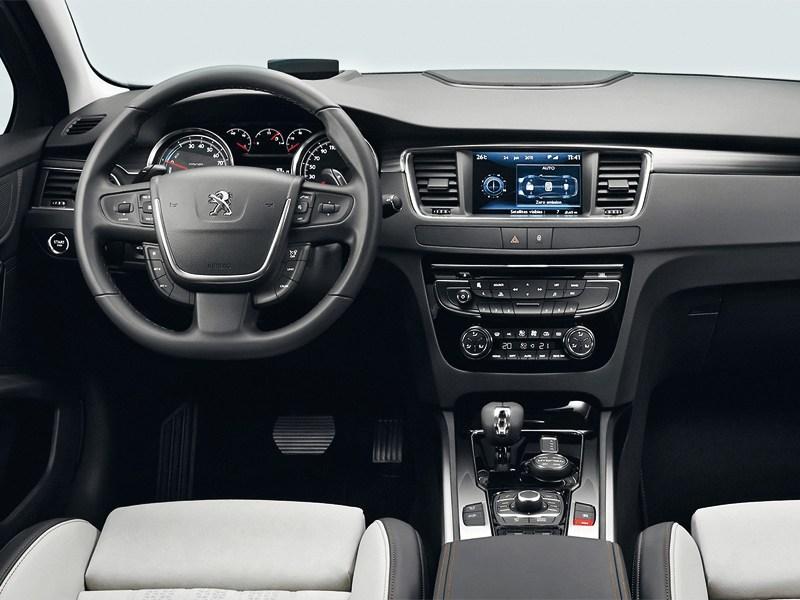 Peugeot 508 RXH 2012 водительское место