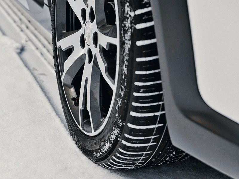 Peugeot 508 RXH 2012 низкопрофильные шины