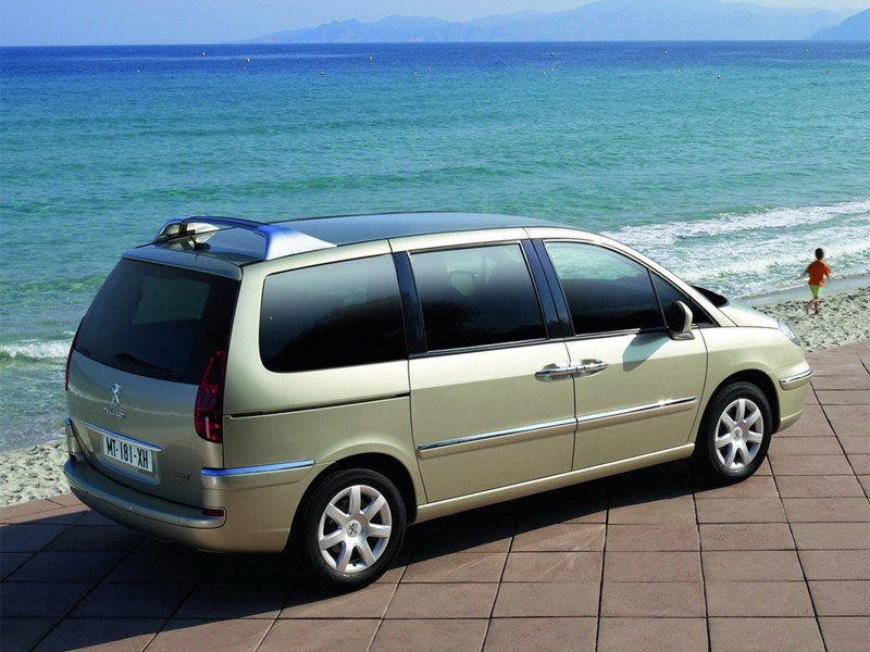 Peugeot 807 2012 вид сзади