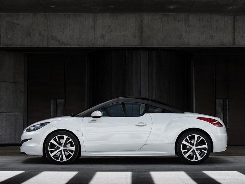 Peugeot RCZ 2013 вид сбоку