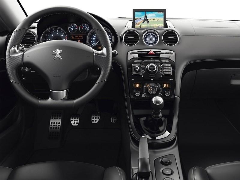 Peugeot RCZ 2013 водительское место