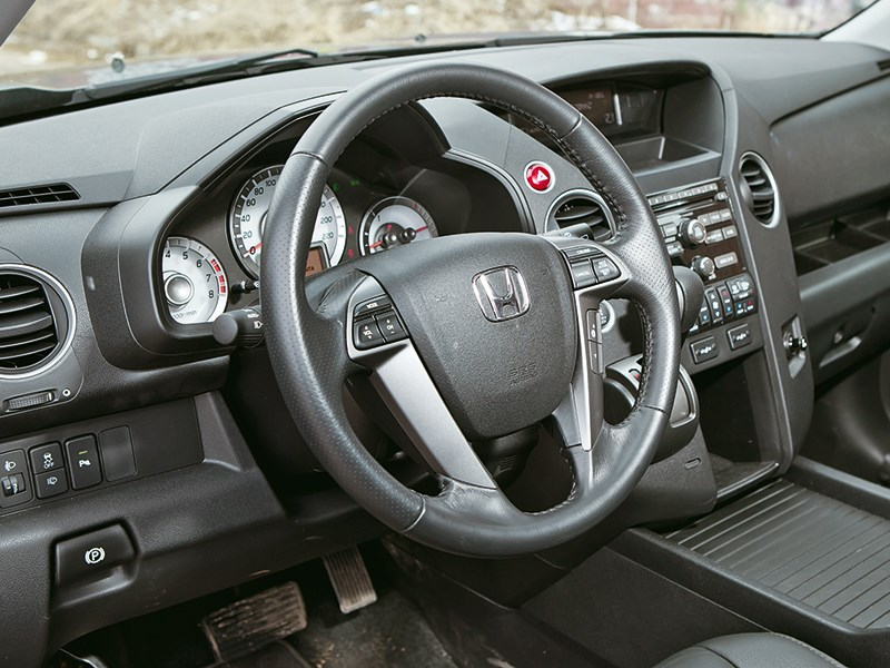 Honda Pilot 2012 водительское место