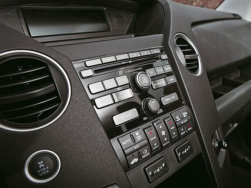 Honda Pilot 2012 центральна консоль