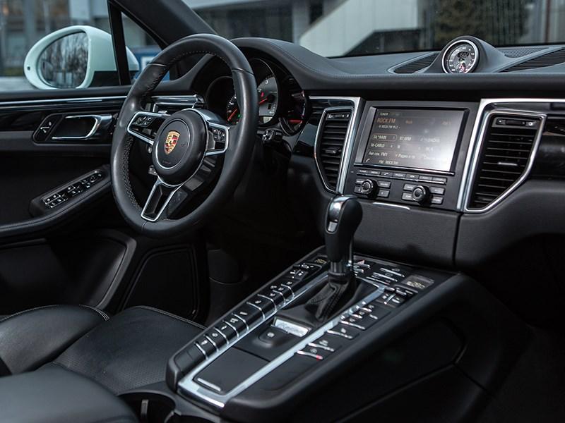 Porsche Macan 2014 водительское место