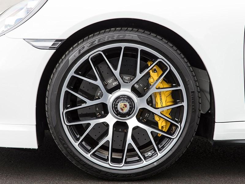 http://cdn.motorpage.ru/Photos/800/Porsche_911_CF.jpg