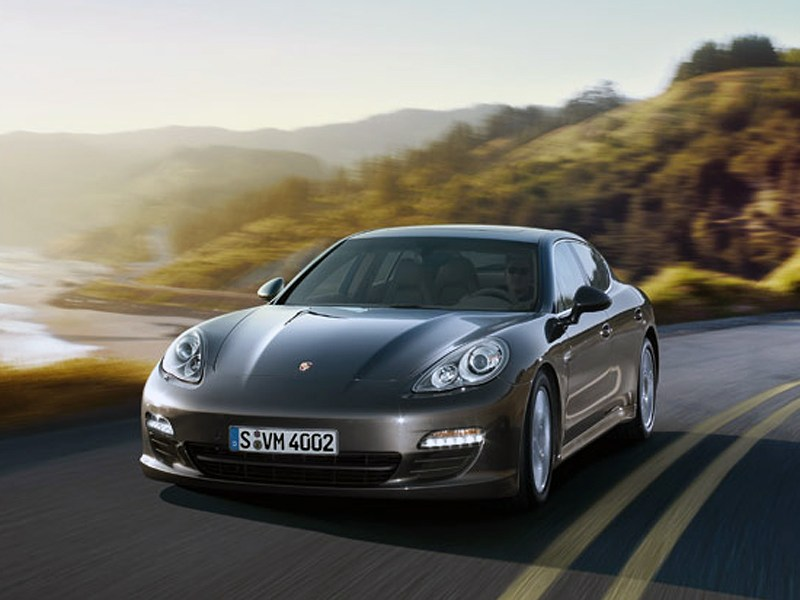 Porsche Panamera S E2B