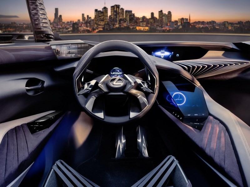 Lexus показал интерьер концептуального кроссовера UX