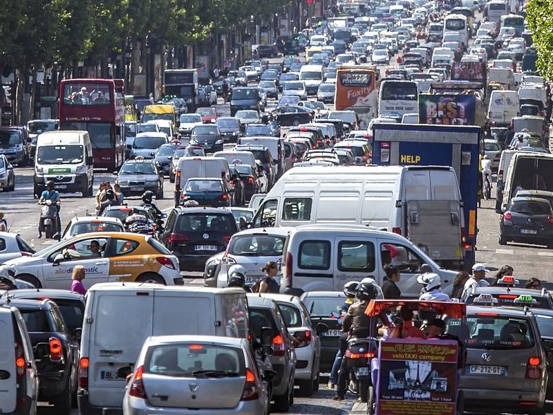 Чем занимаются столичные водители впробках