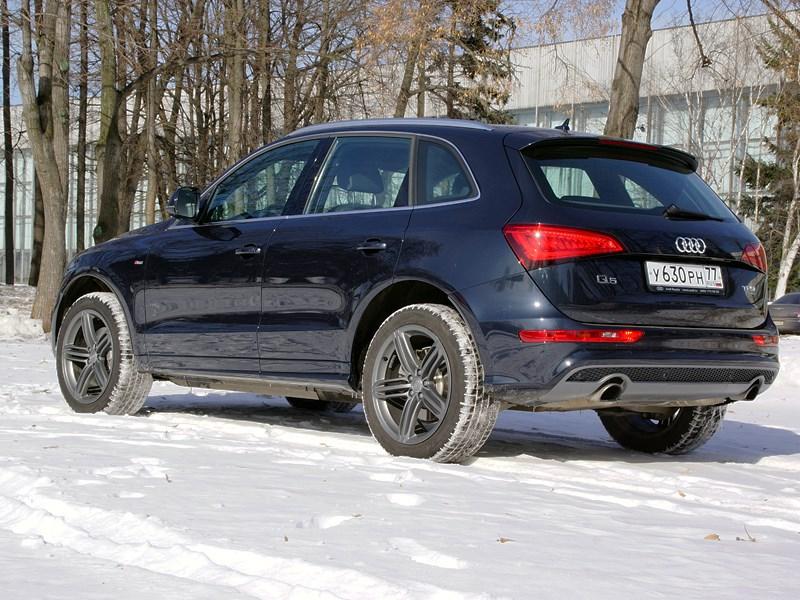 Audi Q5 2012 вид сзади