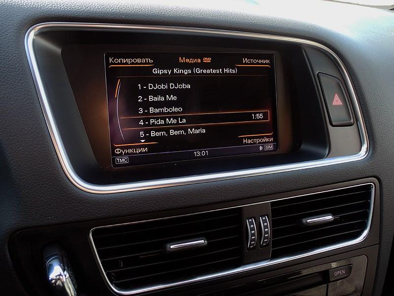 Audi Q5 2012 экран мультимедийной системы