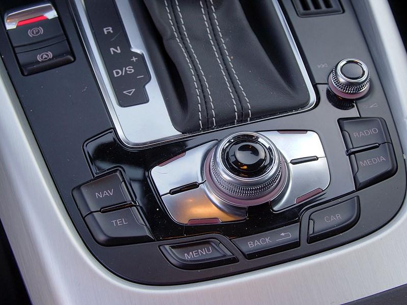 Audi Q5 2012 система MMI