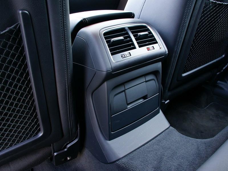 Audi Q5 2012 климат для задних пассажиров