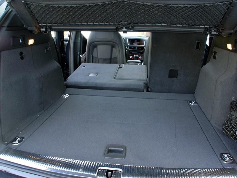Audi Q5 2012 багажное отделение