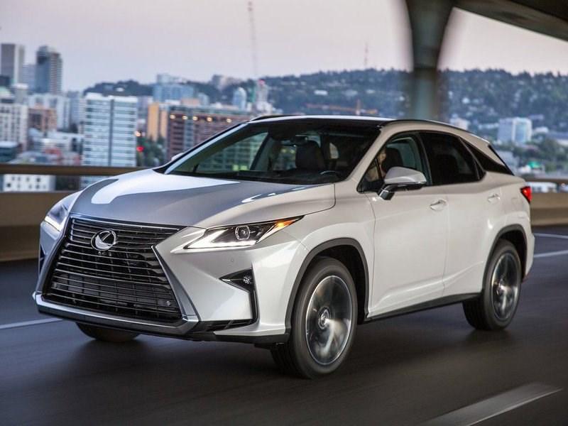 Объем продаж Lexus в ноябре вырос почти на 22 процента