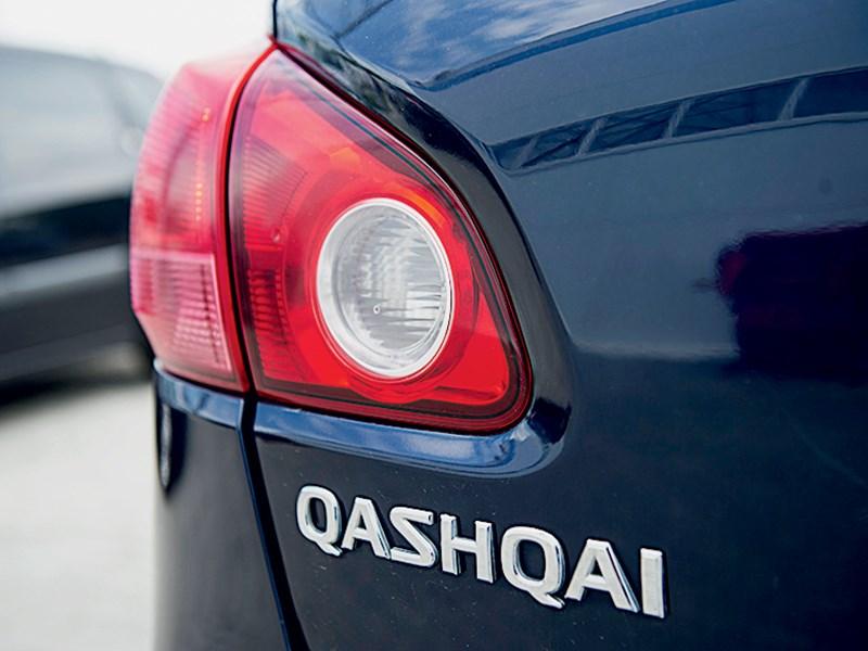 Nissan Qashqai 2010 задний фонарь