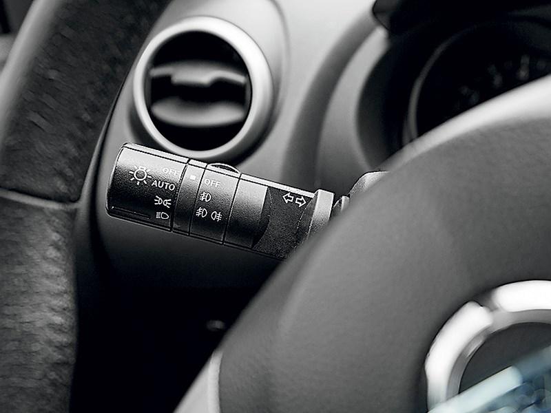 Nissan Qashqai 2010 подрулевые переключатели