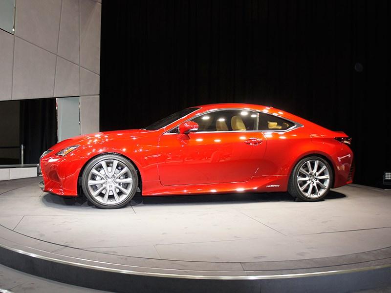 Lexus RC концепт 2013 вид сбоку