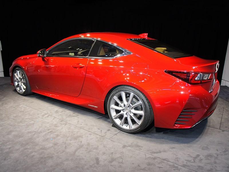 Lexus RC концепт 2013 вид сбоку-слева