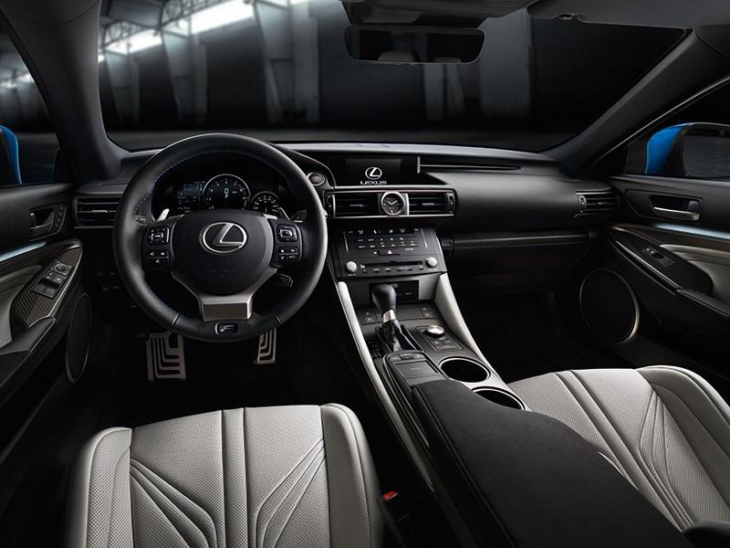 Lexus RC F 2014 водительское место фото 2