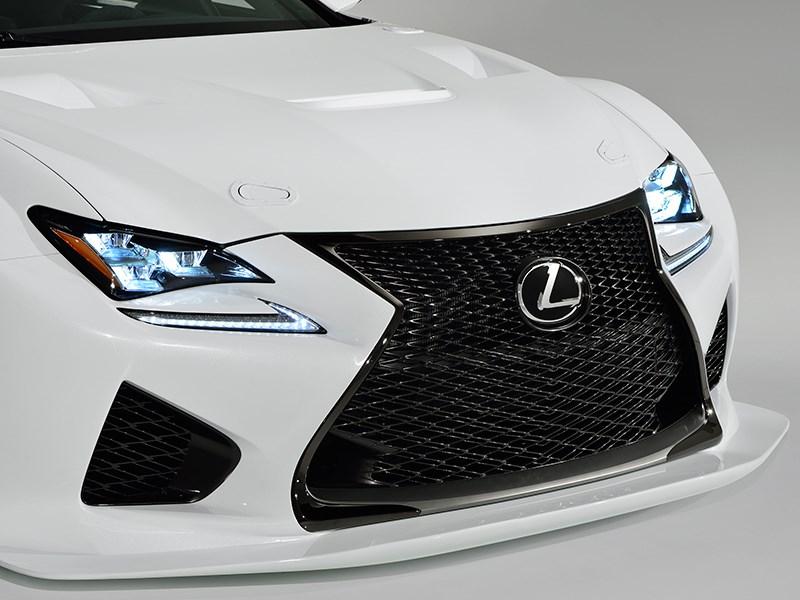 Lexus RC F GT3 2014 вид спереди фото 3