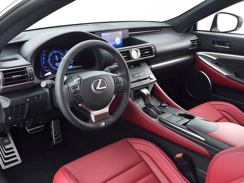 Lexus RC F Sport 2014 салон