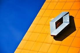 Renault пересмотрел прогноз о продажах автомобилей за год в сторону понижения