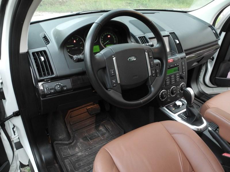 Land Rover Freelander 2 2011 водительское место