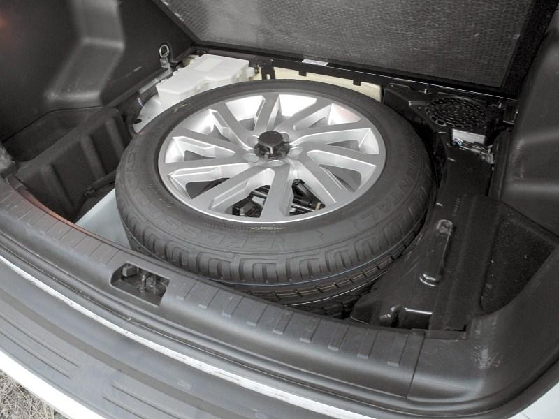 Land Rover Freelander 2 2011 запасное колесо