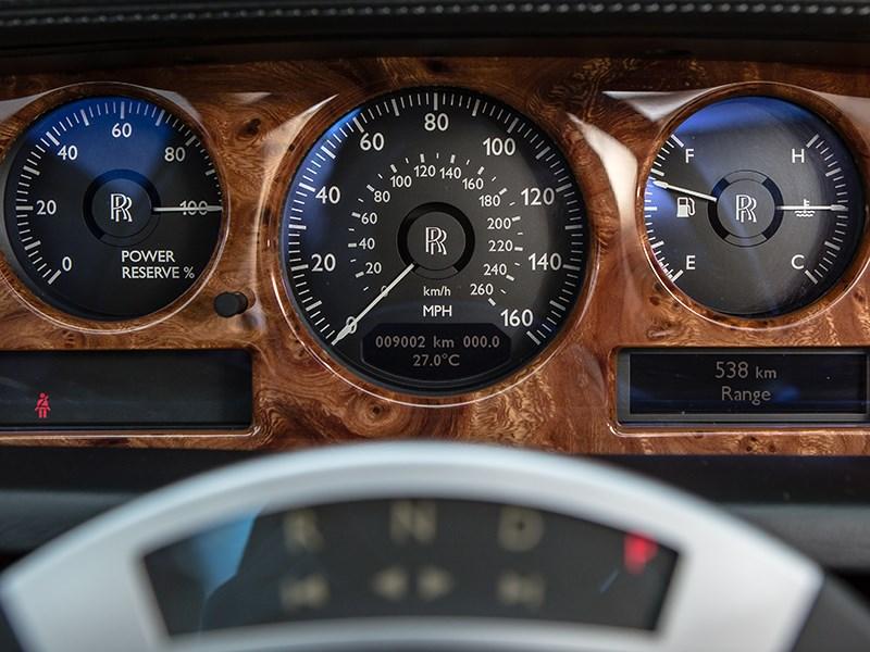 Rolls-Royce Phantom EWB 2010 приборная панель
