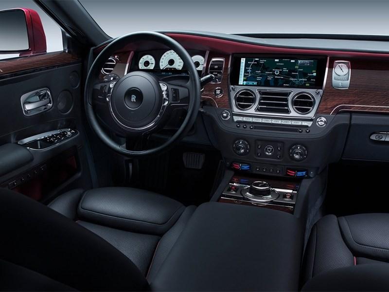 Rolls-Royce Ghost 2014 водительское место
