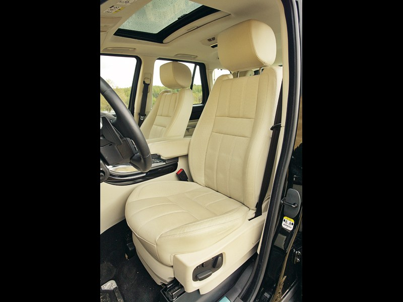 Range Rover Sport 3.0 TD 2010 передние кресла