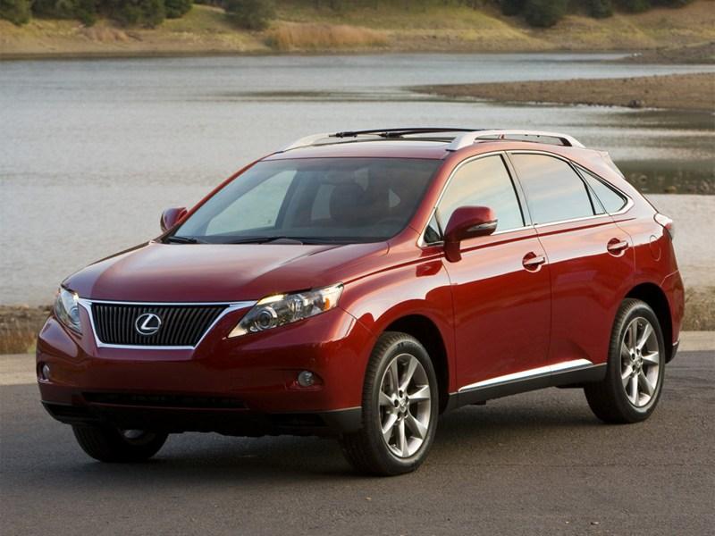 Toyota: отзывы из-за внезапного ускорения машин продолжаются