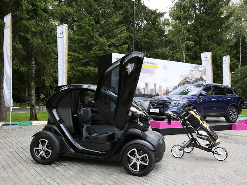 Renault организовала Кубок по гольфу