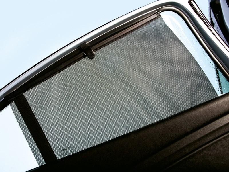 Renault Fluence 2013 шторка