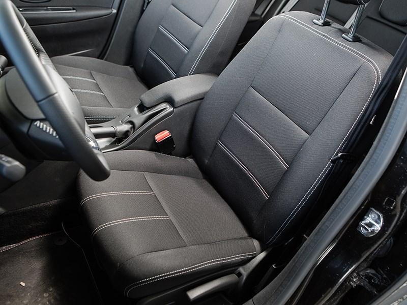 Renault Fluence 2013 передние кресла